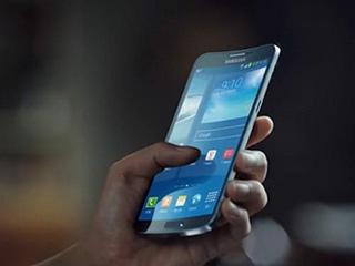 柔性OLED屏手机可折叠变换多种形态