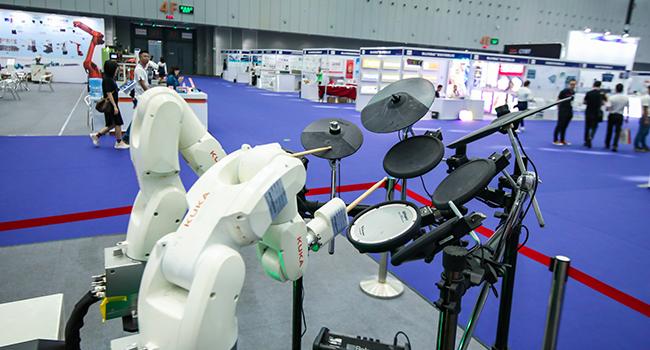 """GIHE機器人展區賺足眼球 """"智造""""成新關鍵詞"""