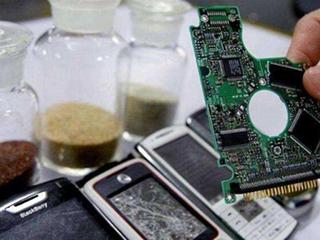 """旧手机回收隐藏暴利行业?每部手机都含有""""真金白银""""!"""