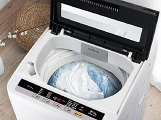 冬季选购家用洗衣机 买波轮还是滚筒好?
