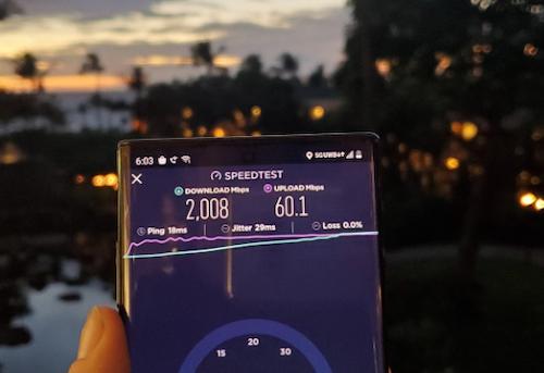 2020智能手机十大预测:向刘海说拜拜 5G成主