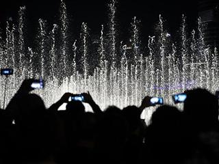 手机产业跨年大戏:谁满志,谁彷徨