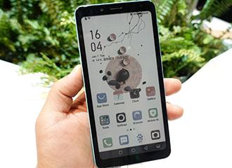 CES2020海信首发彩色水墨屏阅读手机 开启多彩阅读新革命