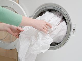 疾控专家:家用洗衣机细菌超标率高达81.3%