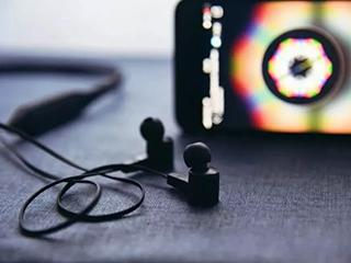 直播人数超1.2亿、播放量破1000万,在线音频平台如何闯关?