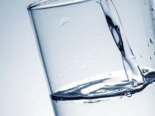 疫情之下净水市场的危与机: 线下受阻 场景化用水前景广阔
