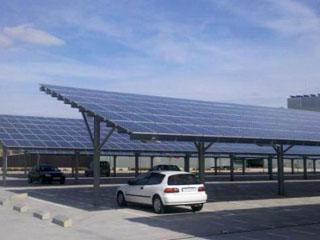 日本建可容纳1200台车辆的太阳能停车场