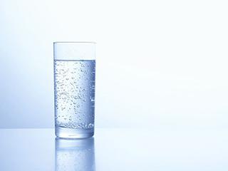 健康隱患:桶裝水+飲水機 二次污染應引起警惕