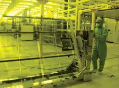 关厂风波背后:中国面板业的考验或机遇