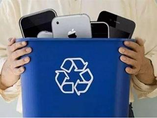 在我国平均每个家庭有三台旧手机,回收成难题