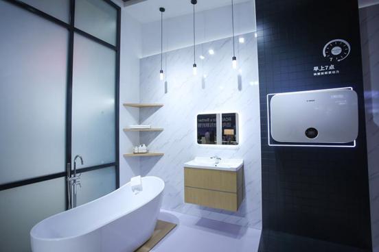 沐浴问题上,没有什么是博世7500i电热水器解决不了的