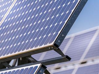 英国正在研发用于兆瓦级太阳能储能的氧化还原液流电池