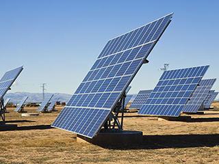 巴菲特押注太阳能背后:2000亿美元市场空间已打开