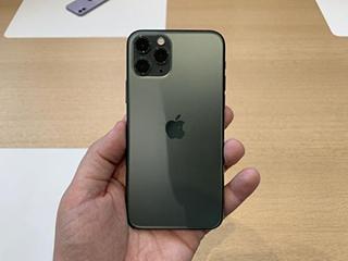 """苹果手机再一次降价!让国产手机""""无路可走"""",该何去何从?"""