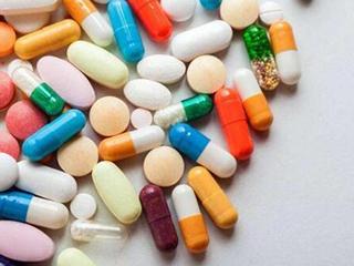 """药品""""中暑""""影响使用,专家建议部分药品放进冰箱""""避暑"""""""