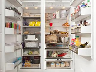 """日本实验找到了冰箱""""最脏""""的角落:细菌数可增至30~700倍"""