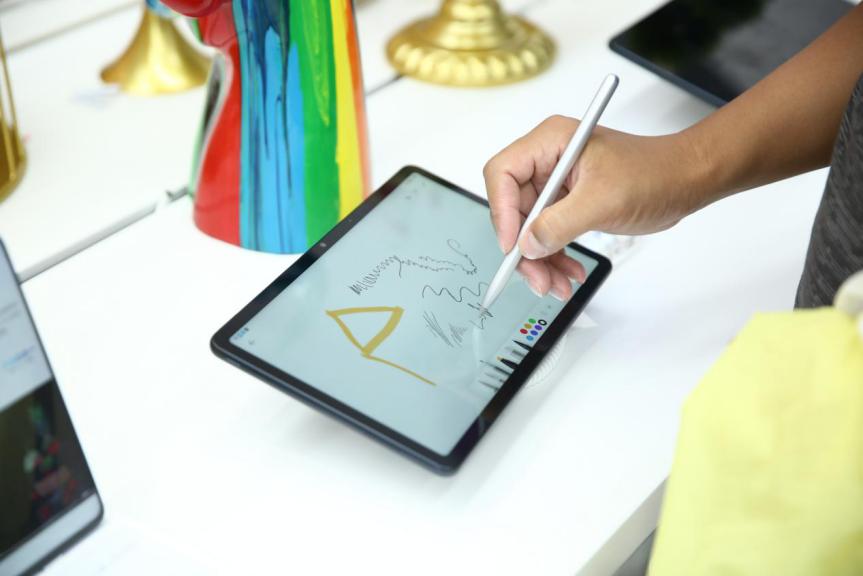 荣耀绝地战警特训营开营:荣耀平板V6多屏协同+Magic-Pencil助阵
