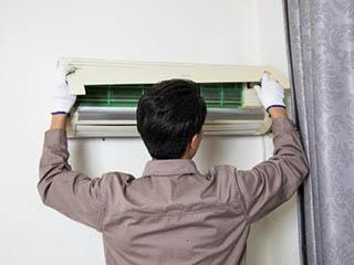 空调用久了原来这么脏 经常进行清洗才健康