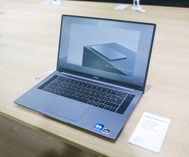 IFA 2020荣耀发布两款全新手表及MagicBook Pro