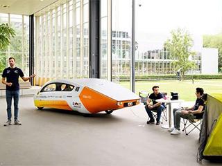 荷兰研发太阳能汽车 不仅可以自己发电还可给其他设备供电