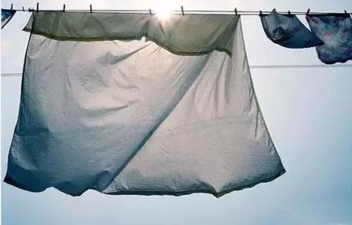 """创新洗涤方式 惠而浦洗衣机还你""""穿衣自由"""""""