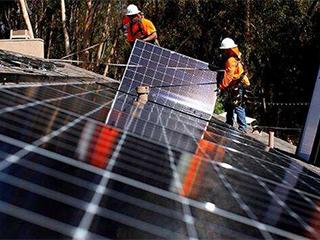 特朗普拟取消部分太阳能电池板进口关税豁免