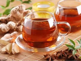 秋冬季一杯生姜红茶暖心又暖身,那用什么水冲泡为上佳呢?