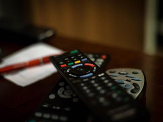 破除老年人智能鸿沟 智能电视不能缺席