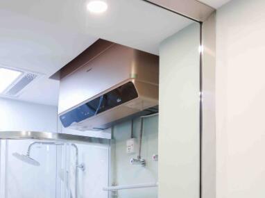 55㎡异形房浴室怎么装?《秘密大改造》:智慧浴室这么装