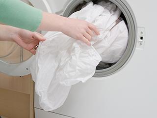 洗衣时口袋里别留硬币杂物