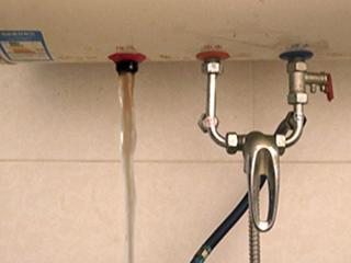 每天洗澡很干净,知道你家的热水器有多脏吗?