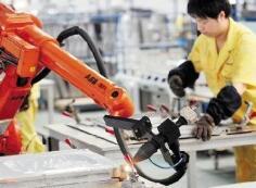 """如何看待""""机器换人""""带来的技术性失业危机"""