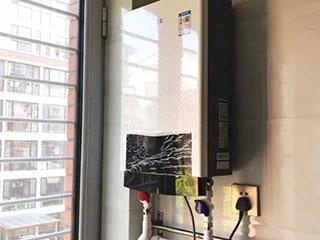 燃气热水器和电热水器哪个更合适?老行家教你选不出错