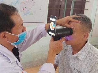三星回收旧款Galaxy智能手机 改造成眼科医疗设备