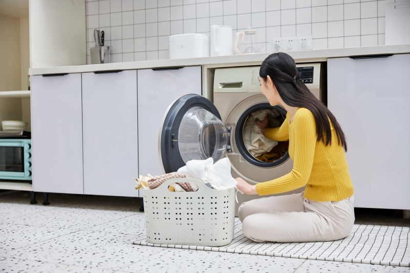 """听了""""丁香医生""""所言 你真敢将内衣袜子放进洗衣机吗?"""