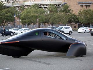 太阳能电动三轮车,3.5秒破百将在今年交车