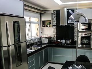 冰箱是放厨房好还是餐厅好?