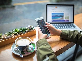 中国手机市场4月受挫 出货同比下降34.1%至2748.6万部