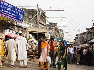 """骤然""""变天"""":疫情暴发下的印度手机市场"""