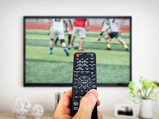 一季度彩电量跌价升 万元以上高端电视市场占比翻番