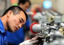 工资高未必愿意进厂,中国技工短缺真相在这