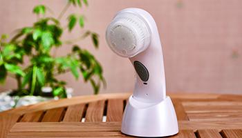 空气炸锅蒸烤箱后,家电企业别再错过个护美容风口