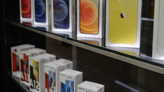 手机厂商也难逃一劫!全球芯片短缺开始席卷智能手机行业