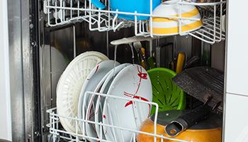 微博热议:因洗碗吵架,不如来台实用的洗碗机